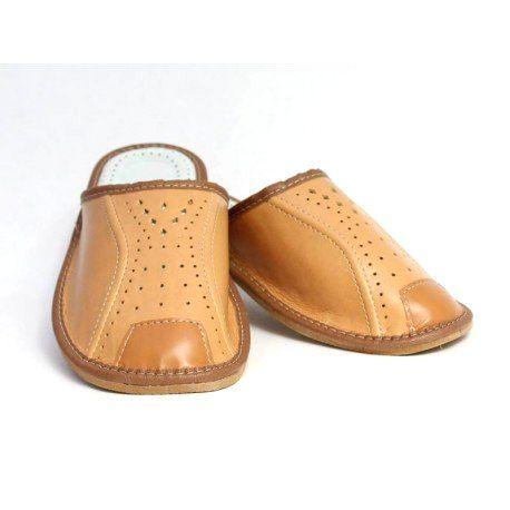 94 Pánske kožené papuče Model P 46